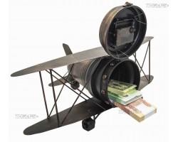Модель самолета с часами и тайником
