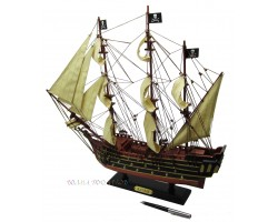 Модель пиратского корабля