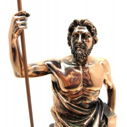 Статуэтки богов и людей